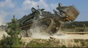 Uma Máquina inacreditável! Ela é Trator, Tanque, Escavadeira, Anti-Minas, Carregadeira e muito mais!