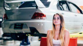 Maria e seu Mitsubishi EVO VIII (com mais de 500cv): vai encarar?