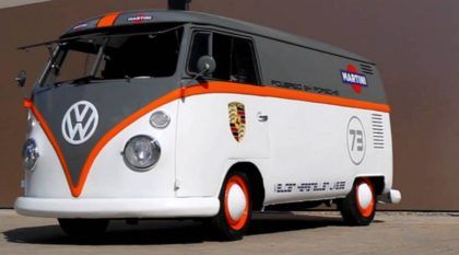 Essa Kombi foi customizada no Brasil (para ser enviada para a Bélgica)