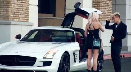 Veja o que acontece quando essa Mulher tenta ser interesseira pelo dono da Mercedes SLS AMG!