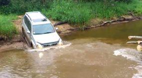 Toyota ao extremo: 3 Vídeos mostram as travessias de rios mais impressionantes (e de tirar o fôlego)