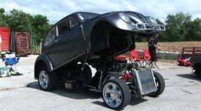 Combinação insana: Veja e ouça esse VW Fusca com motor Chevy V8!