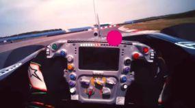 Microcâmera mostra o ponto de vista de um piloto de F1 e os desafios da alta velocidade
