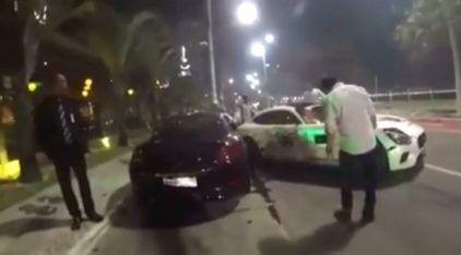 Em Camboriú, motorista tenta se exibir e bate Mercedes-AMG GT em Ferrari e Porsche
