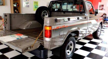 Garagem fenomenal tem Chevrolet D20 (com apenas 6.926 km) acompanhada de VW Saveiro Fun (com 2.078 km)