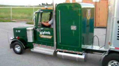 Incrível! Um Pai (herói) construiu um Mini-caminhão com carreta  para seu filho de 10 anos!