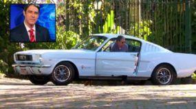Grande fã de carros, William Bonner mostra o seu Mustang clássico em vídeo