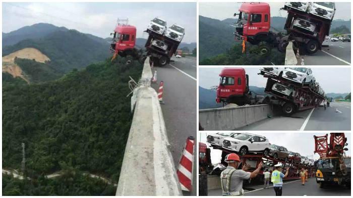 Caminhão-Cegonha acidente