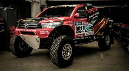 Revelada nova Toyota Hilux EVO (com motor V8) preparada para o Rali Dakar