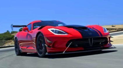 Beleza Americana: Dodge Viper ACR (e seu insano V10) em uma volta rápida demolidora!