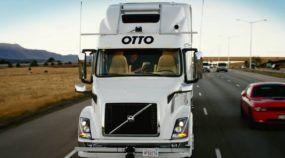 Sem motorista, caminhão autônomo do Uber faz primeira entrega (de 50 mil latas de cerveja). Vídeo mostra detalhes!