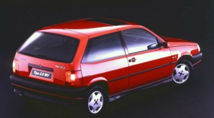 Mito dos Anos 90: Fiat Tipo 2.0 16V (Sedicivalvole) em uma aula-rolê com Bellote