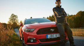 Vovô com 97 anos realiza sonho de comprar um novo Mustang GT (V8 e com câmbio manual)