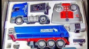 Vídeo incrível: Scania RC saindo da embalagem, sendo carregada e ficando suja pela primeira vez