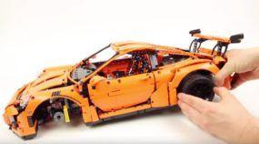 Brinquedo ou obra de arte? Veja a montagem do Porsche 911 GT3 RS de LEGO (e 2704 peças)