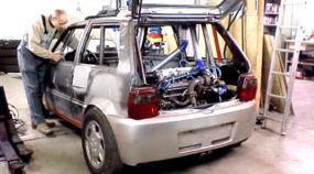 Popular Brutal: Uno Turbo V6 3.0 biturbo com motor de Alfa na traseira (e intercooler no teto)