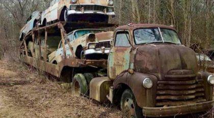 A misteriosa história do antigo Caminhão Cegonha abandonado (carregado com quatro Chevrolet 1956)