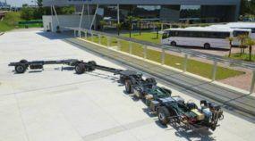 Volvo lança o maior ônibus do mundo (feito no Brasil para 300 passageiros)