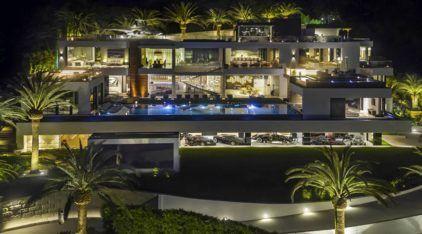 Luxo extremo: Veja a Casa dos Sonhos MAIS CARA à venda nos EUA (com uma Coleção de Carros de 30 milhões de dólares)