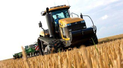 Monstro agrícola: em ação o trator de esteira mais potente do Brasil (com motor V12 de 637cv)