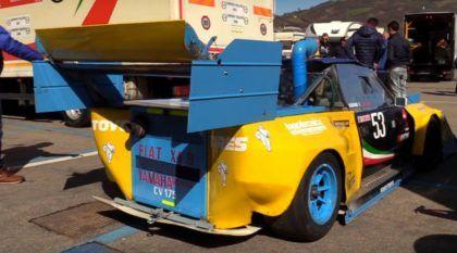 Feito em casa, esse FIAT recebeu motor de Yamaha R1 e virou um carro de corrida ÚNICO