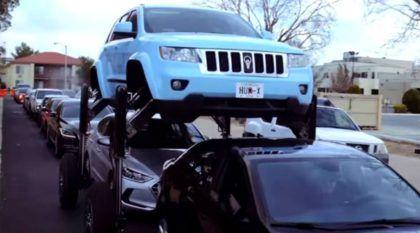 Carro dos sonhos contra congestionamentos? Veja como esse Jeep passa por cima dos outros carros