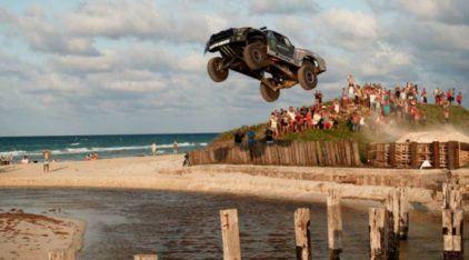 Veja essa SuperPicape Toyota (com 850 cv de pura brutalidade) voando nas ruas e estradas de Cuba!