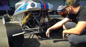 Adrenalina garantida no Crosskart: potência de supermoto, jeitão de mini-buggy e kart no nome