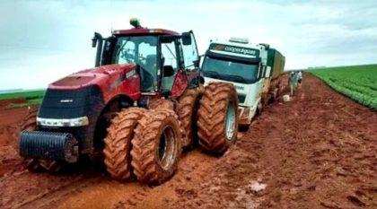 Tratores ao extremo em Resgates de Caminhões nos atoleiros do Brasil