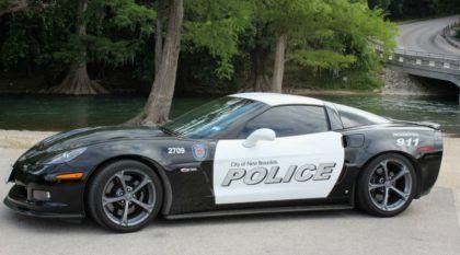 Corvette com mais de 1.000cv (apreendida de traficante de drogas) vira Carro de Polícia