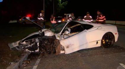 Ferrari 360 capota e fica destruída em acidente em São Paulo