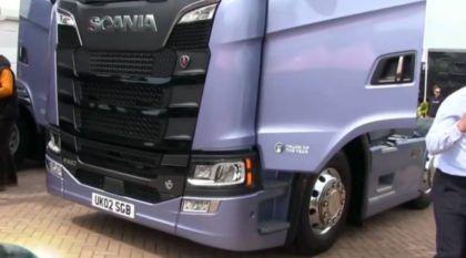 Vídeo: Brasileiro mostra em detalhes o novo Scania (em exposição na Europa)