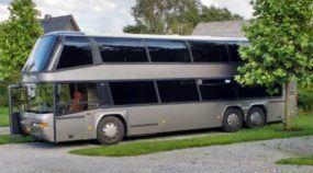 Veja como esse ônibus de dois andares foi transformado (em 20 passos) numa incrível casa sobre rodas