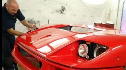 Confira o precioso (e delicado) trabalho de restauração de uma Ferrari F40 muito exclusiva