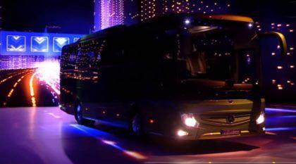 Depois de 20 anos sem mudar, veja como ficou o novo ônibus da Mercedes-Benz Tourismo RHD