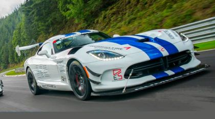 Dodge Viper ACR acelera tudo para (tentar) quebrar recorde da volta rápida em Nürburgring