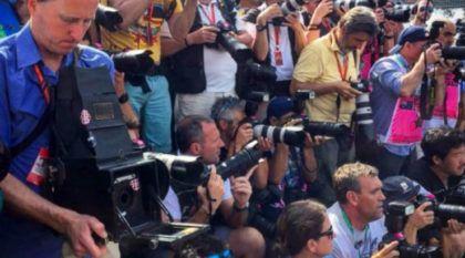 Resultado surpreendente: Fotógrafo leva uma câmera (com 104 anos) para tirar fotos na F1