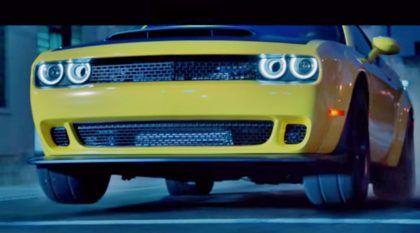 O Exorcista do Asfalto: Dodge Challenger SRT Demon em ação (sem precedentes) pelas ruas