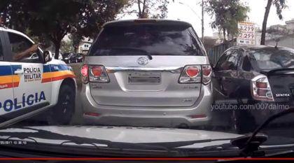 Vídeo flagra perseguição policial (insana) contra uma Toyota Hilux SW4 clonada