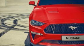 É OFICIAL! Ford Mustang GT agora no Brasil (e mais barato que o Camaro): a briga esquentou!