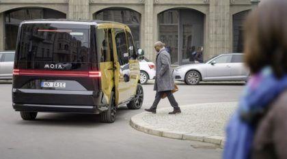 Para concorrer com Uber, Volkswagen lança novo serviço MOIA (com van elétrica)