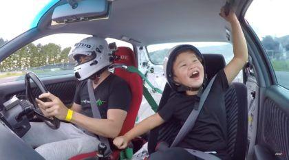 Velozes e Furiosos em família: Pai brasileiro e Filho fazem drift no Japão (e repare na reação do garoto)