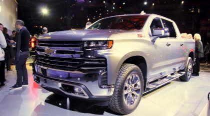 Agora é oficial: Veja os primeiros vídeos da novíssima Chevrolet Silverado (ainda mais intimidadora)