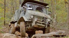 Off-road extremo parecendo fácil: o lendário Mercedes-Benz Unimog (militar) e suas incríveis habilidades