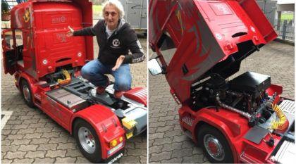 Com motor a combustão e capaz de puxar um carro, essa é a fascinante miniatura de um Scania R500