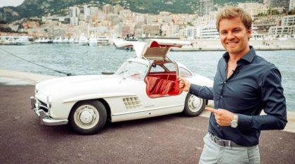 """A bordo de uma Mercedes 300 SL """"Gullwing"""" com Nico Rosberg"""